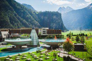 Aqua Dome Außenbecken Sommer. Sommerurlaub Tirol