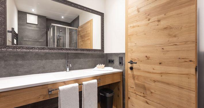 Neues, modernes Badezimmer, Apart Peppone Ferienwohnungen