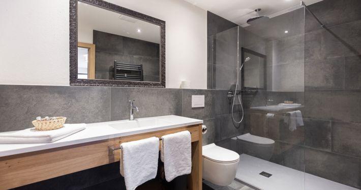 Badezimmer in Ferienwohnung Typ 3 Apart Peppone Ferienwohnungen