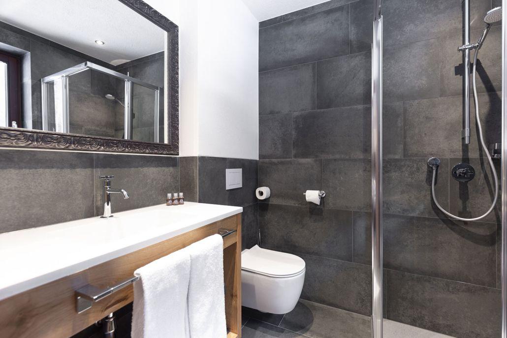 Badezimmer Ferienwohnung Ötztal Apart Peppone