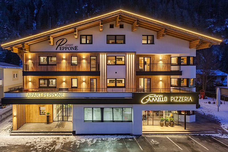 Haus Apart Peppone und Pizzeria Don Camillo im Winter